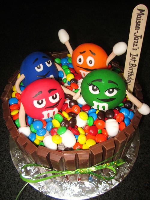 bolo aniversário mms