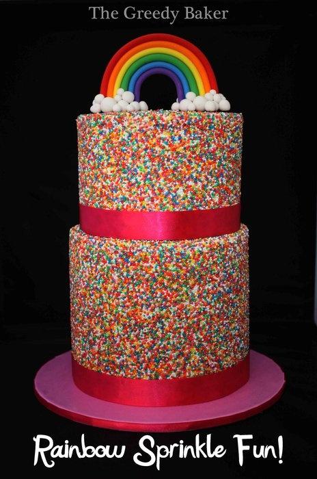 bolo aniversario arco iris