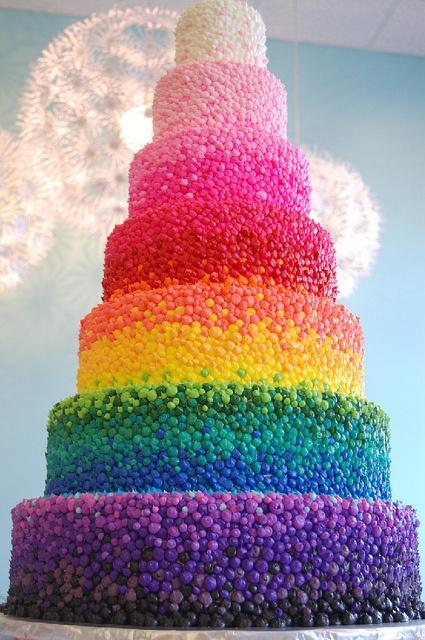 bolo arco iris decorado