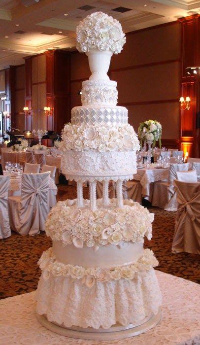 bolo branco flores casamento