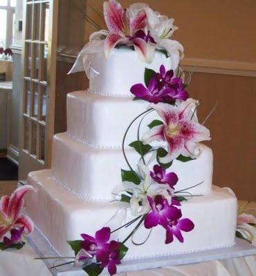 bolo casamento quadrado com flores