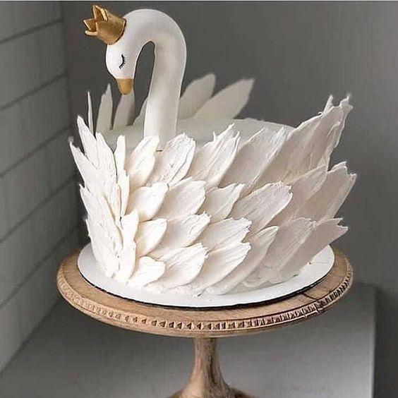 bolo cisne branco