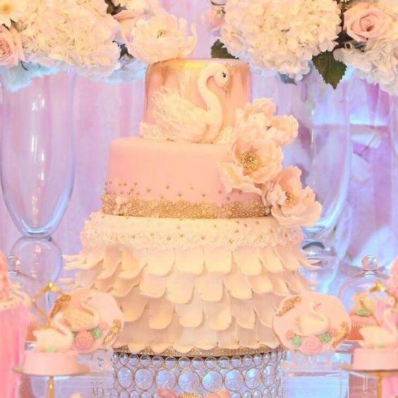 bolo cisne casamento