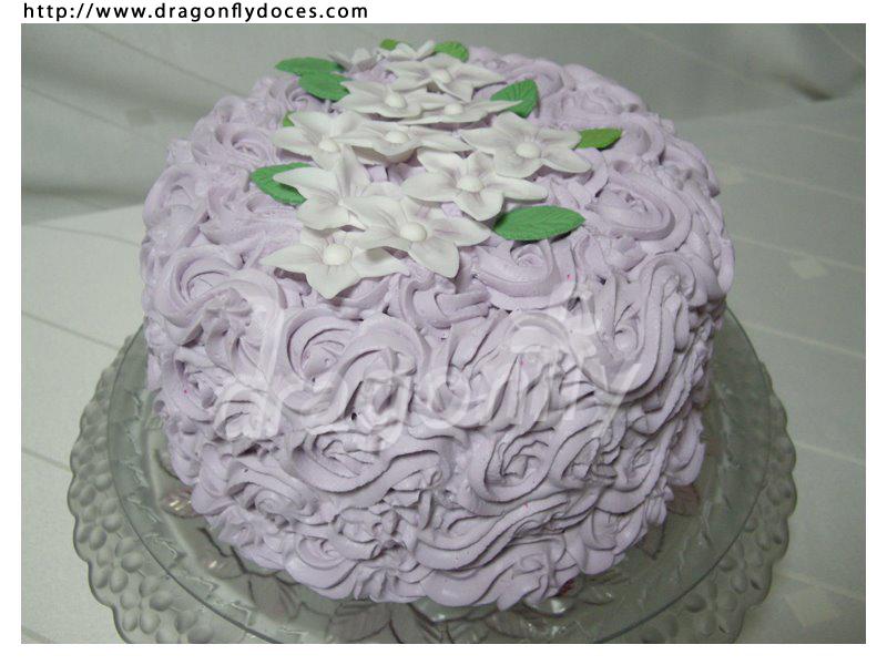 bolo de chantilly com flores