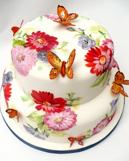 bolo de flores e borboletas