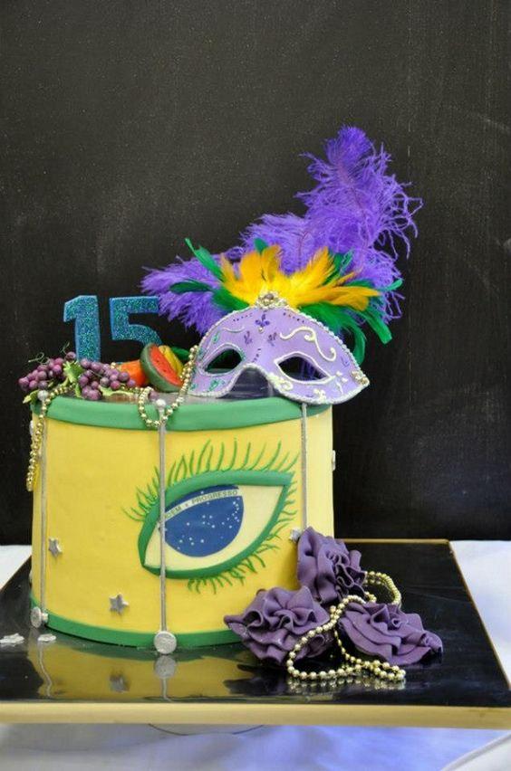 bolo decorado carnaval 11