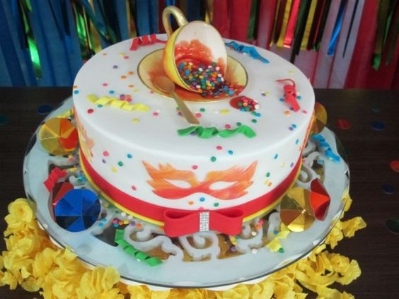 bolo decorado carnaval 5