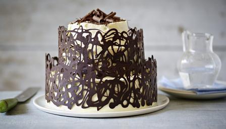 Bolo De Chocolate Decorado