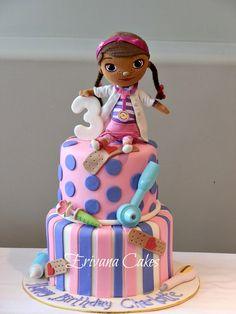 bolo decorado da dra brinquedos