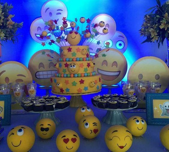 bolo decorado emoji 2