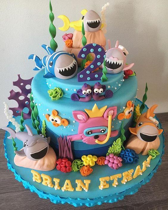 bolo decorado festa baby shark 1