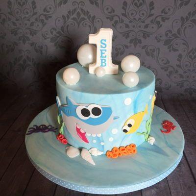 bolo decorado festa baby shark 2