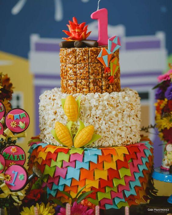 bolo decorado festa junina fake