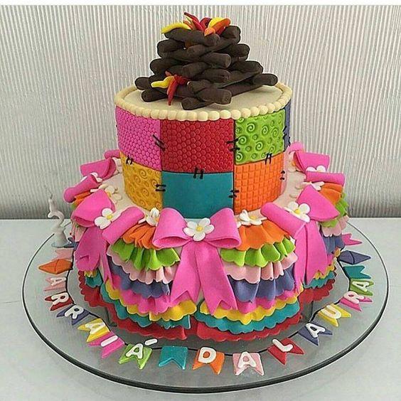 bolo decorado festa junina fogueira