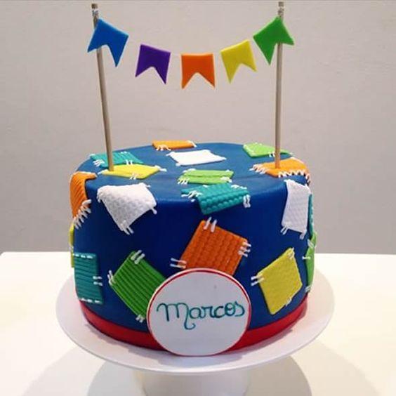 bolo decorado festa junina remendos