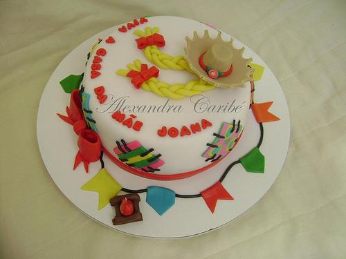 bolo decorado junino