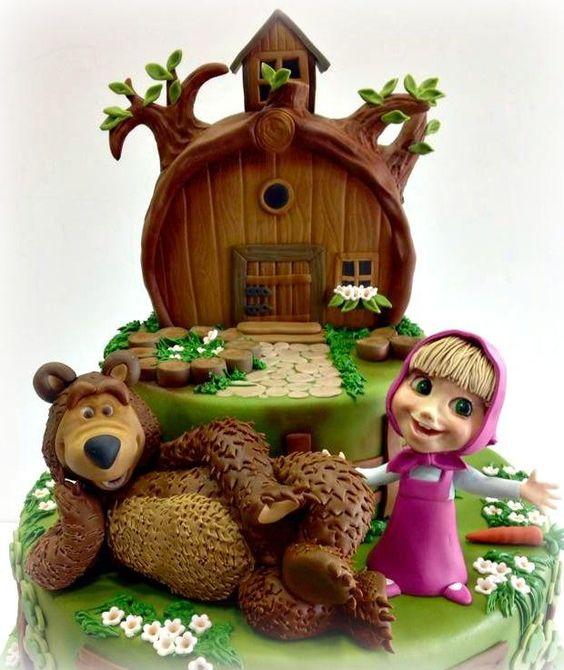 bolo decorado marsha e urso