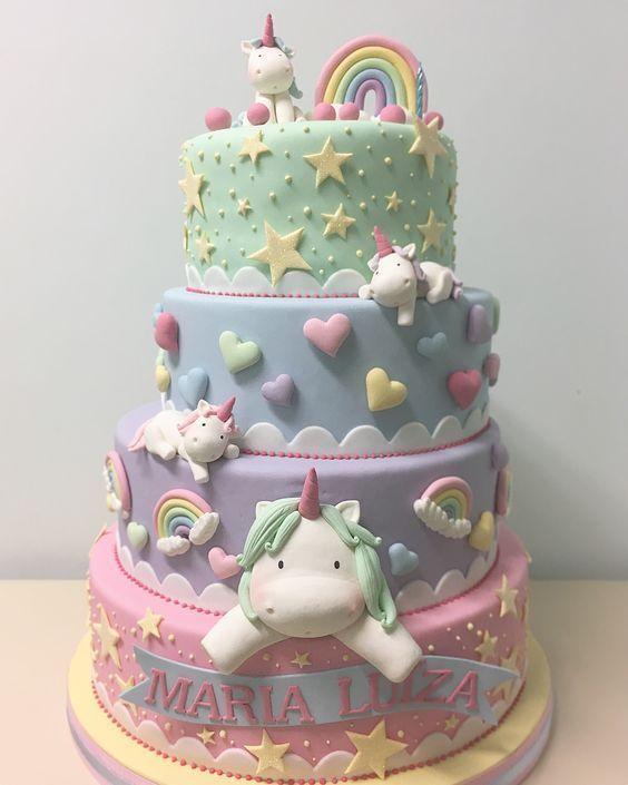 bolo decorado menina unicornio