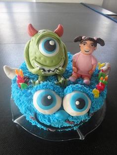 bolo decorado monstros sa