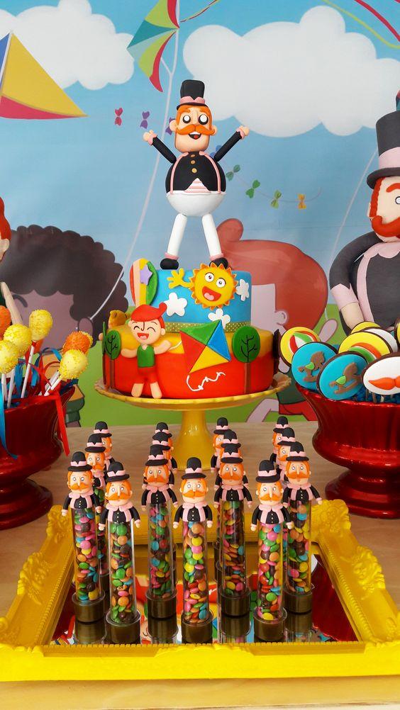 bolo decorado mundo bita