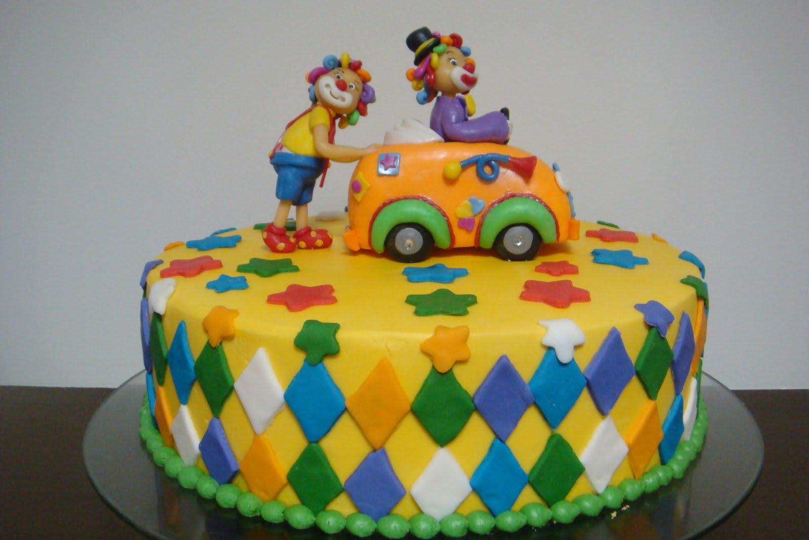 bolo decorado palhaços