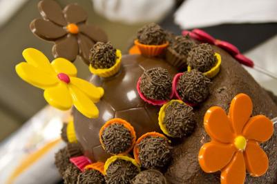 bolo decorado pascoa chocolate