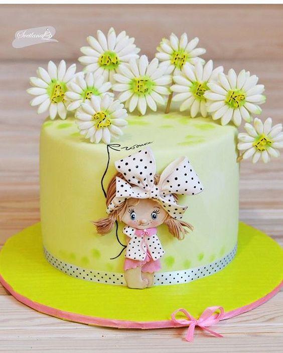 bolo decorado primavera boneca