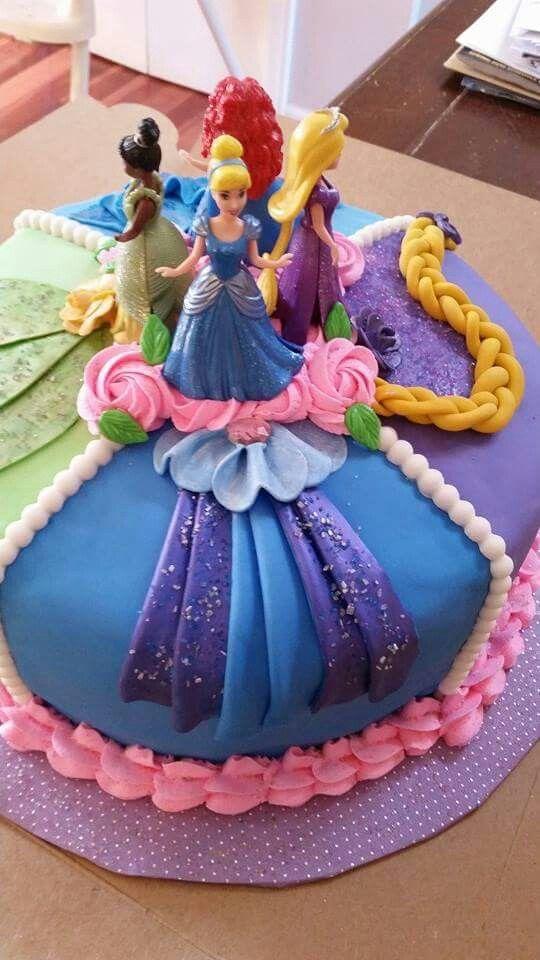 bolo decorado princesas redondo