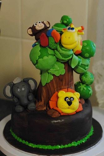 bolo decorado selva