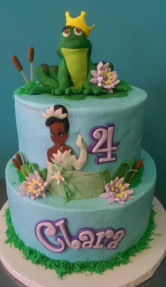 bolo decorado tiana e o sapo
