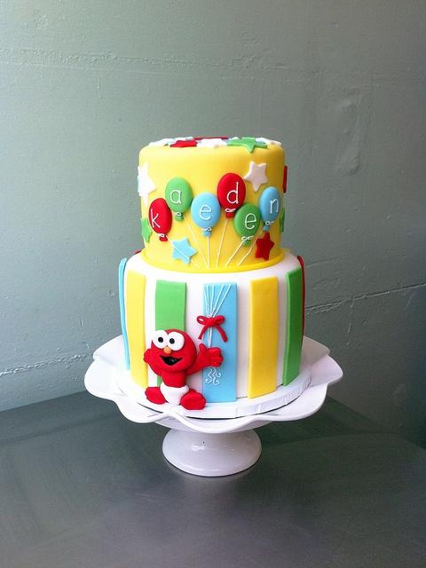bolo elmo festa infantil
