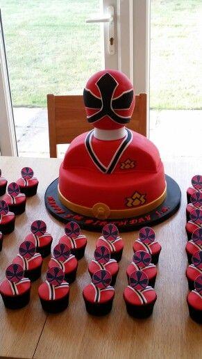 bolo festa Power Rangers diferente