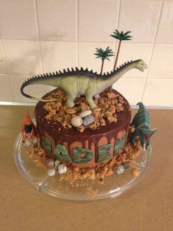 bolo festa dinossauro 8
