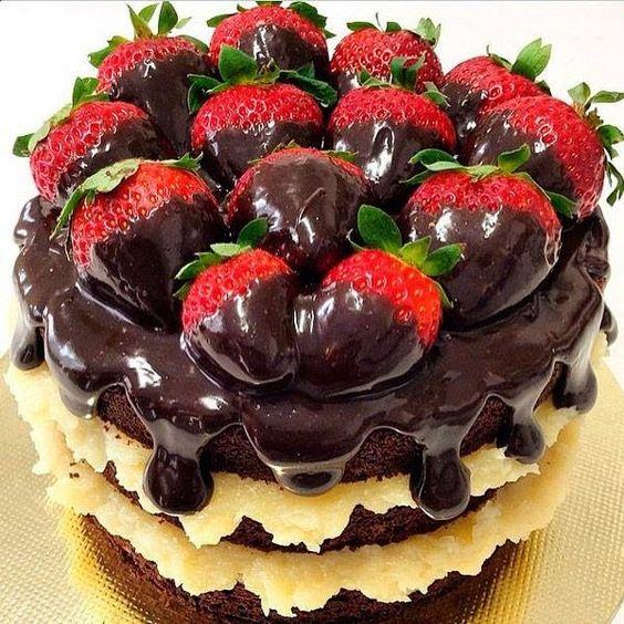 bolo festa fruta