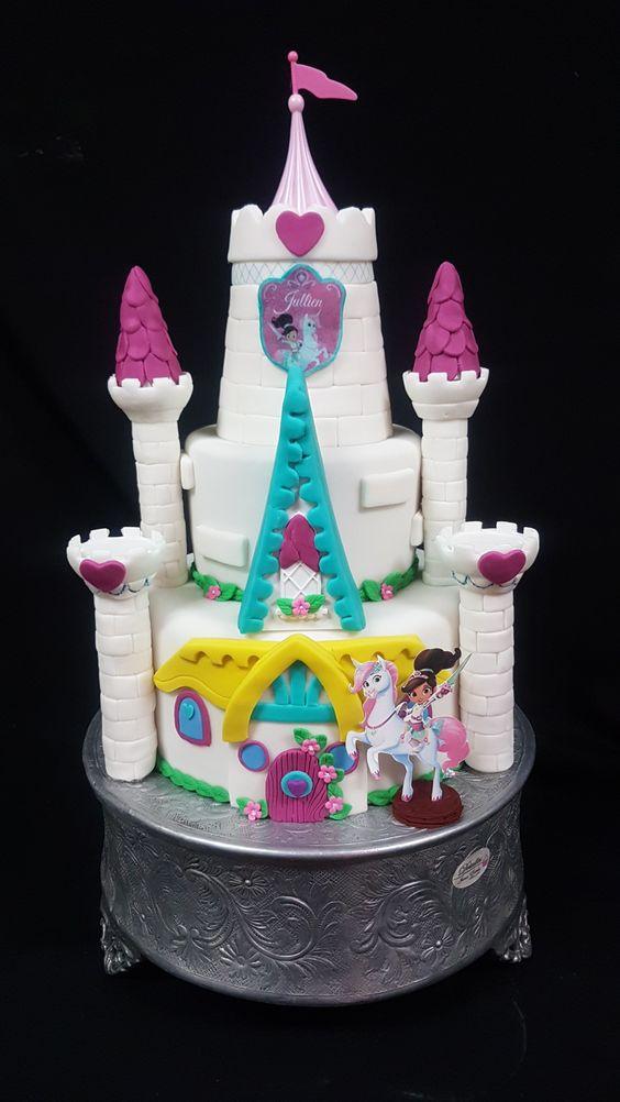 bolo festa princesa nella castelo