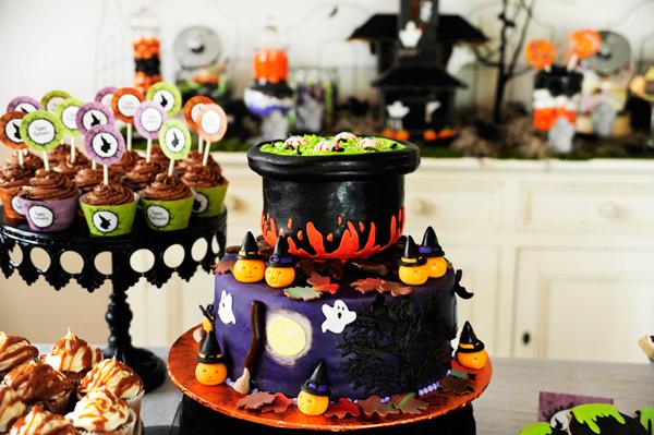 bolo halloween bruxa1