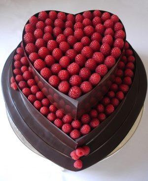bolo mulher chocolate morango