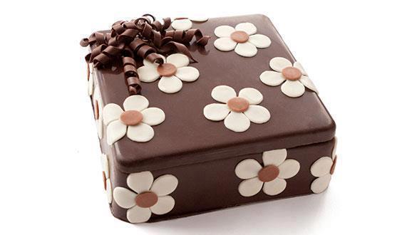 bolo mulher quadrado flor