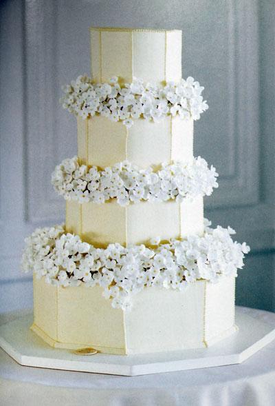 bolo noiva chocolate e flores