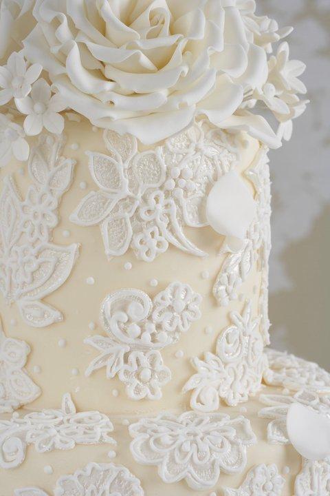 bolo renda branco