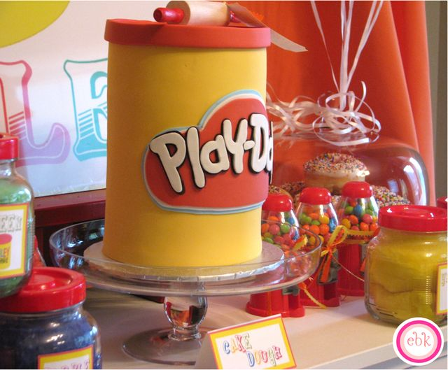 bolo simples play doh