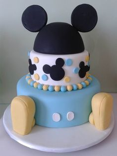 bolos decorados aniversario 9