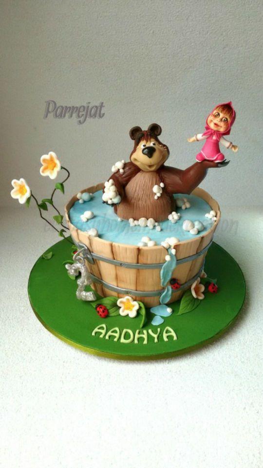 bolos decorados da marsha e urso