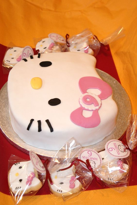 bolos decorados hello kitty 10
