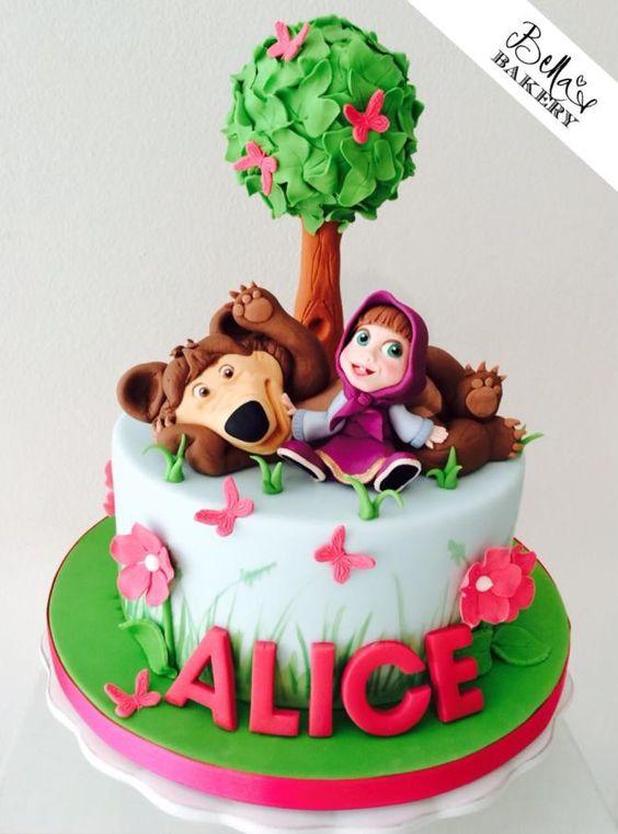 bolos decorados marsha e urso