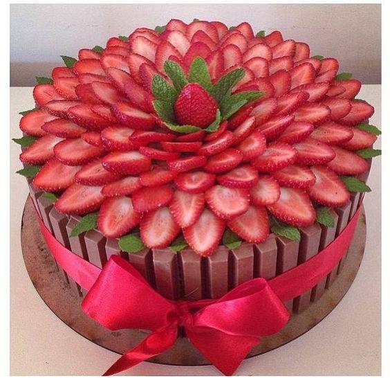 bolos decorados morangos 1