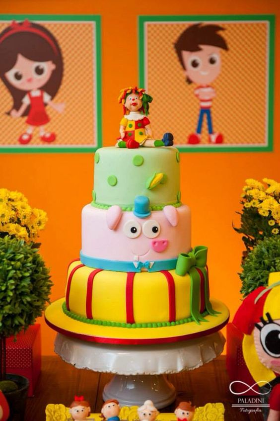 bolos decorados pica pau amarelo 2