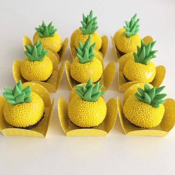 brigadeiro personalizado abacaxi