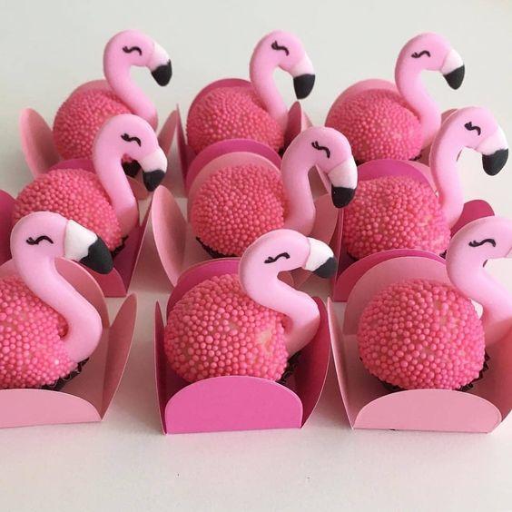brigadeiro personalizado flamingo