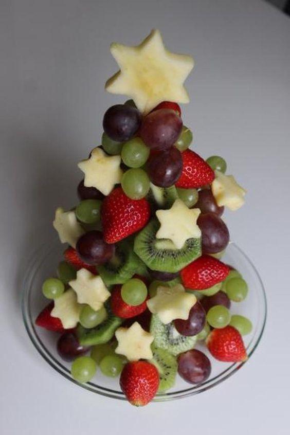 comida saudavel natal crianca arvore fruta